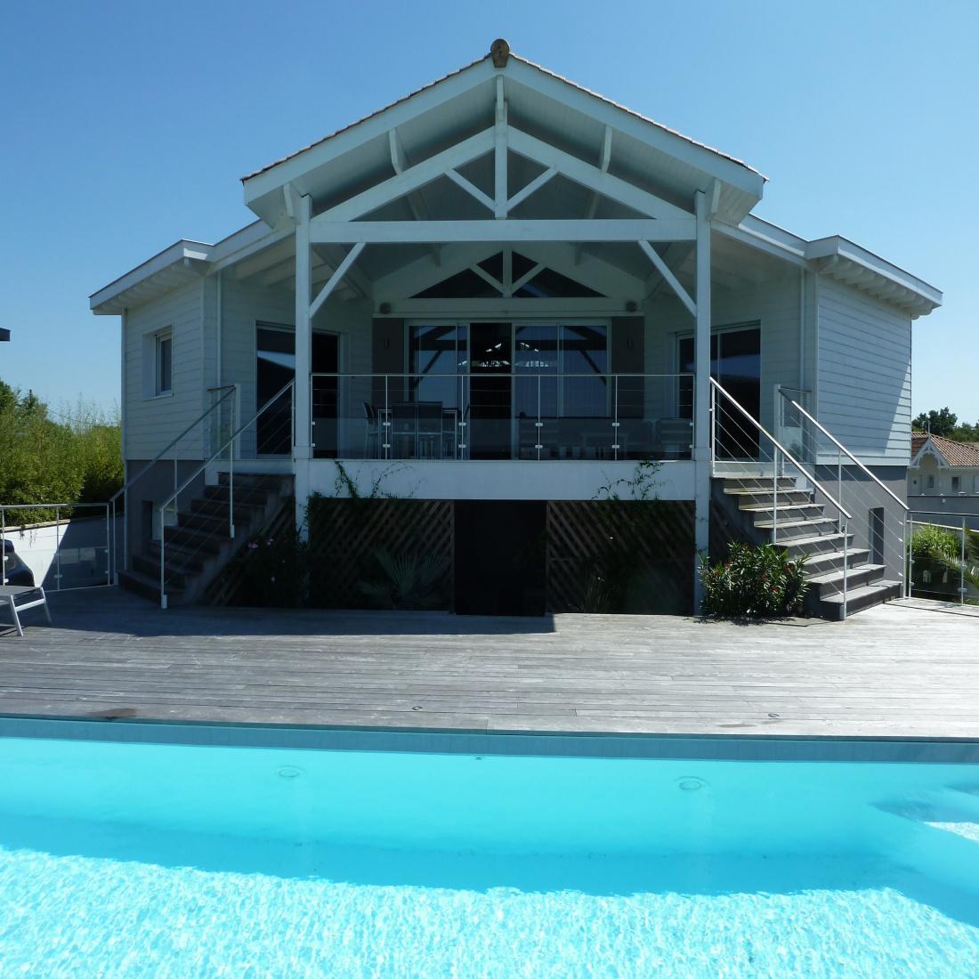 ced09b6fb816ad vente Villa d architecte en première ligne sur le Bassin
